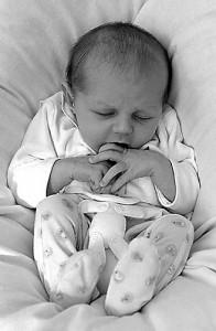 Вздутие живота у новорожденных