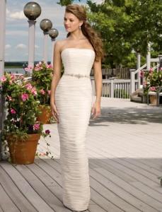 Как выбрать длинное платье по фигуре